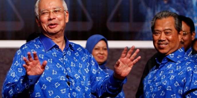 Le premier ministre Najib Razak (à gauche), après la victoire du Barisan nasional, le 5 mai.