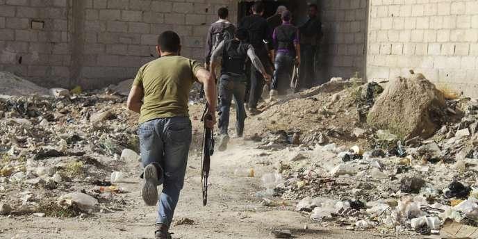 Des rebelles syriens à Damas, le 5 mai.
