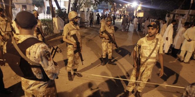 Des forces de sécurité pakistanaises déployées au Pakistan, le 4 mai.