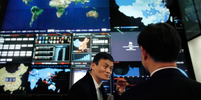 Jack Ma, fondateur et PDG du géant chinois du commerce en ligne Alibaba, dans les locaux de son entreprise à Hangzhou.