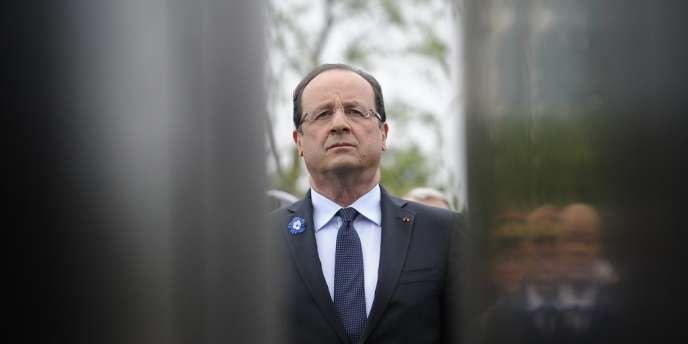 Commémoration du 8 mai 1945 par François Hollande, en 2013.