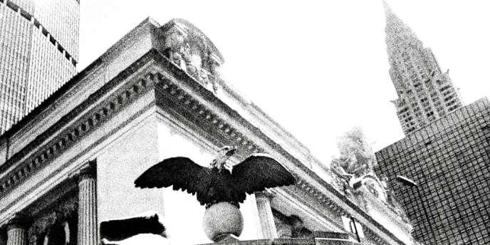 Devant l'entrée de Grand Central Terminal,  à l'angle de la 42e Rue et de Park Avenue. Photos : Pari Dukovic pour M le magazine du Monde