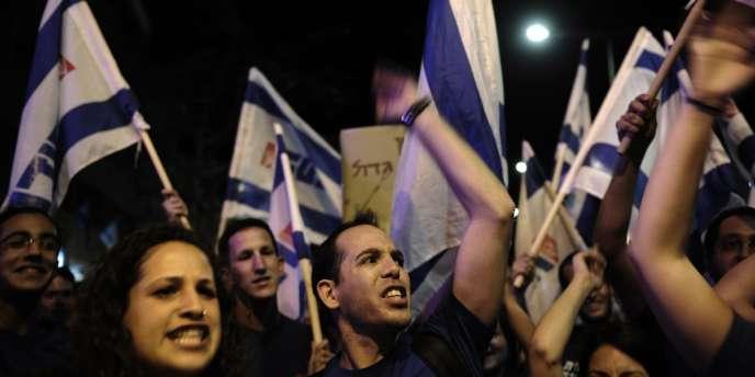 Manifestation à Tel-Aviv contre l'austérité, samedi 11 mai.
