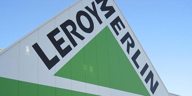 Le tribunal de commerce de Bobigny a ordonné, jeudi 26 septembre, aux enseignes de bricolage Castorama et Leroy Merlin de cesser d'ouvrir quinze magasins d'Ile-de-France le dimanche.