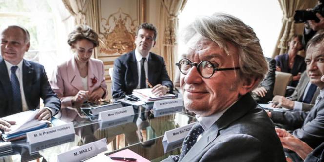 Jean-Marc Ayrault, Premier ministre reçoit Jean-Claude Mailly et une délégation FO en présence des ministres, Marisol Touraine et Arnaud Montebourg dans le cadre de la préparation de la deuxième conférence sociale, à Matignon, lundi 13 mai 2013.