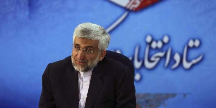 Saïd Jalili, le représentant du Guide Ali Khamenei aux négociations sur le nucléaire iraniin avec les Occidentaux, au ministère de l'intérieur à Téhéran, le 11 mai, après son inscription comme candidat à l'élection présidentielle.