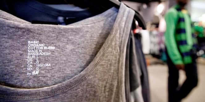 Dans un magasin de l'enseigne suédoise de prêt-à-porter Hennes et Mauritz (H&M) d'Atlanta (Géorgie), en décembre 2012.