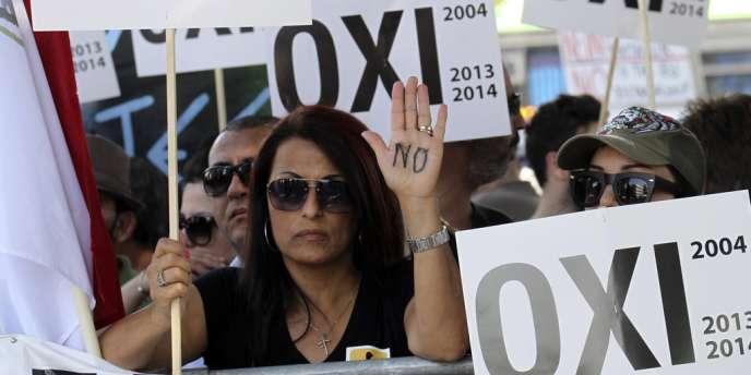 L'Union européenne, le Fond monétaire international et la Banque centrale européenne ont accepté fin mars de prêter jusqu'à 10 milliards d'euros à Chypre, en contrepartie d'un plan d'économies et d'une restructuration drastique de son secteur financier.