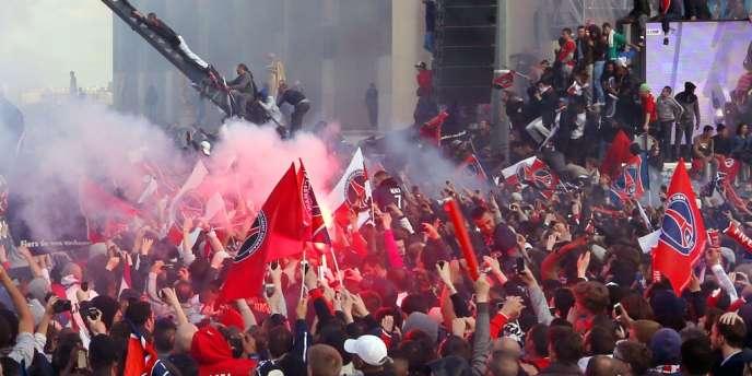 Le 13 mai, des débordements en marge du sacre du PSG ont provoqué d'importants dégâts sur l'esplanade du Trocadéro.