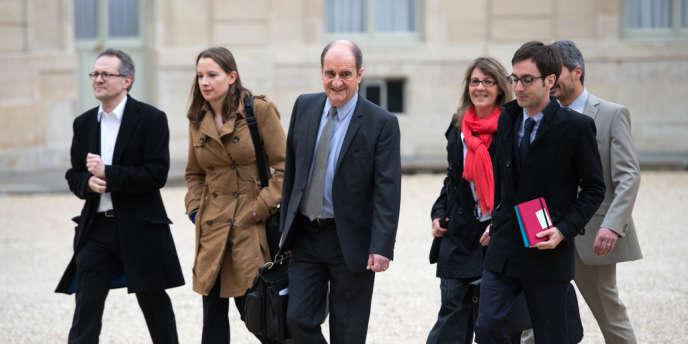 Pierre Lescure propose d'étendre le droit de citation aux œuvres dérivées sans utilisation commerciale et de fournir un cadre légal sûr aux licences