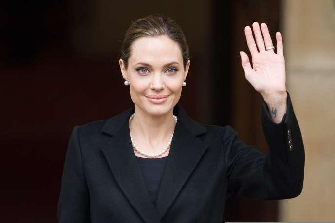 Le 27 avril, l'actrice a terminé les trois mois de préparation médicale prévue avant les opérations.
