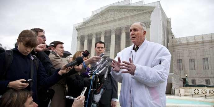 Le fermier Vernon Hugh Bowman a été condamné le 13 mai par la Cour suprême pour avoir resemé des graines de soja fournies par Monsanto.