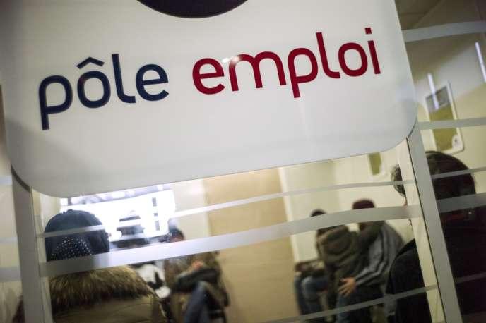 Le nombre de demandeurs d'emploi sans aucune activité a augmenté de 43 300 personnes en avril.