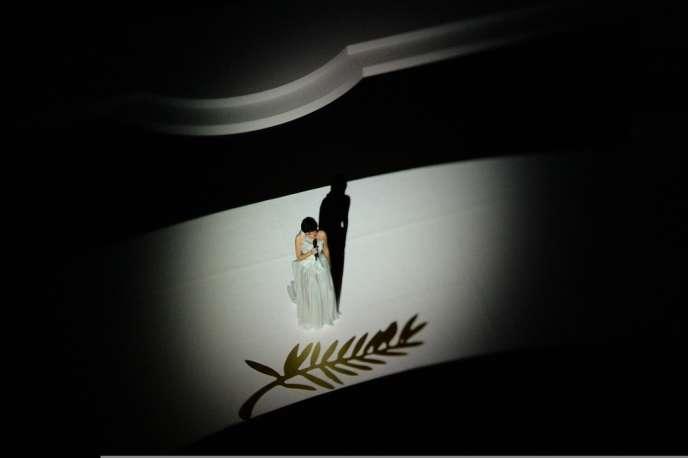 Audrey Tautou en maîtresse de cérémonie au 66e Festival de Cannes, le 15 mai 2013.