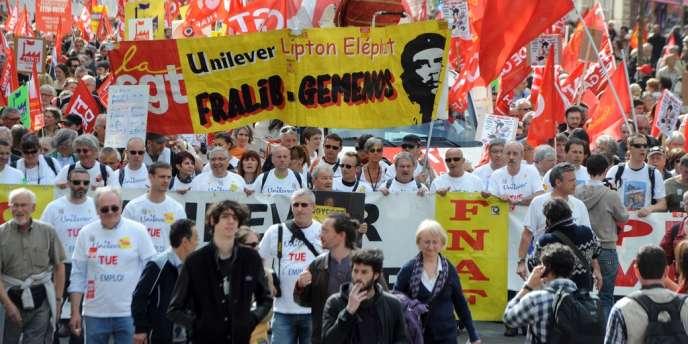 Les salariés de Fralib lors d'une manifestation à Paris le 5 mai 2013.
