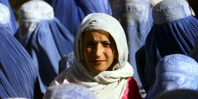 Depuis la chute des talibans, il y a douze ans, les Afghanes ont recouvré leur droit d'être scolarisées et de travailler, mais la peur d'un retour en arrière subsiste