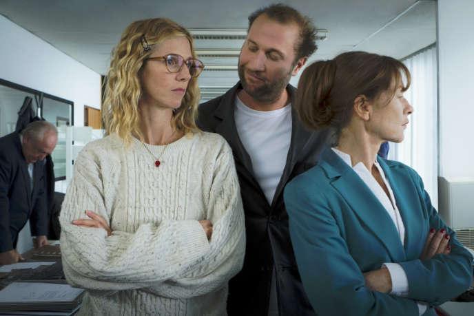 Sandrine Kiberlain, François Damiens et Isabelle Huppert dans le film français de Serge Bozon,