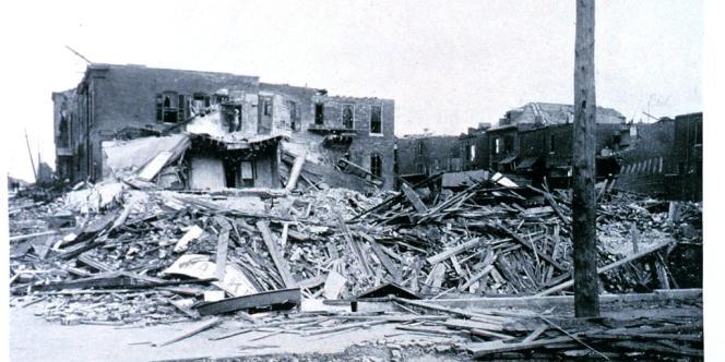 A Saint-Louis, après le passage de la tornade, du 27 mai 1896.
