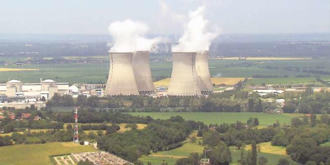 Le démontage de centrales nucléaires engendre un problème de stockage de toutes les pièces devenues des déchets radioactifs.