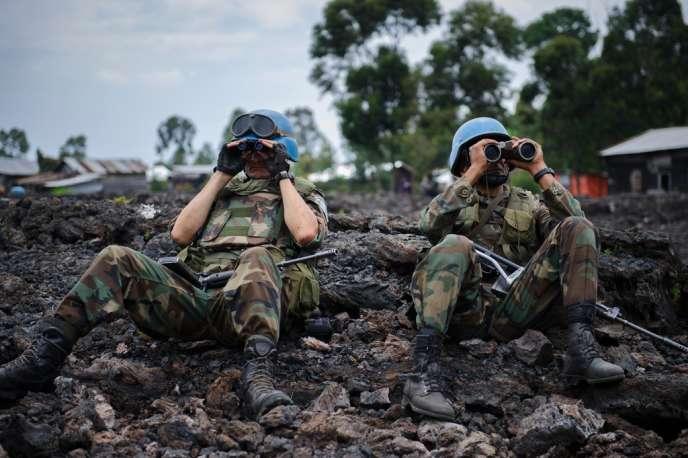 Le 4 décembre, le patron des opérations de maintien de la paix de l'ONU, Hervé Ladsous, avait annoncé à Goma, capitale du Nord-Kivu, que les casques bleus comptaient « s'attaquer à d'autres groupes armés après le M23 ».