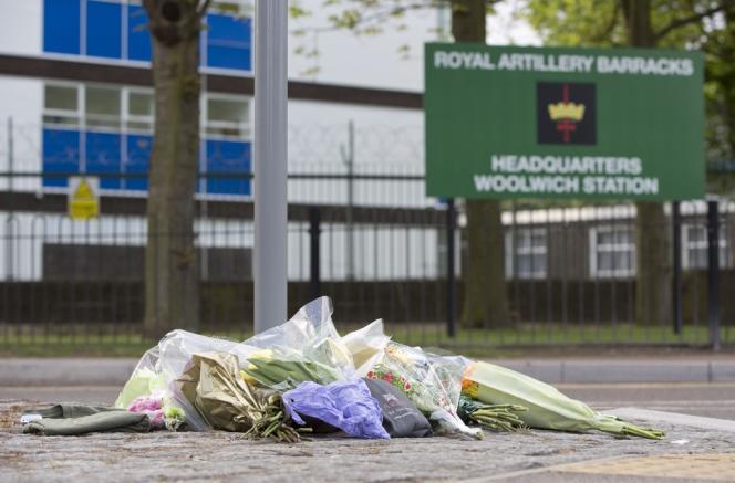 Sur les lieux du crime, près de la caserne militaire de Woolwich, jeudi matin.