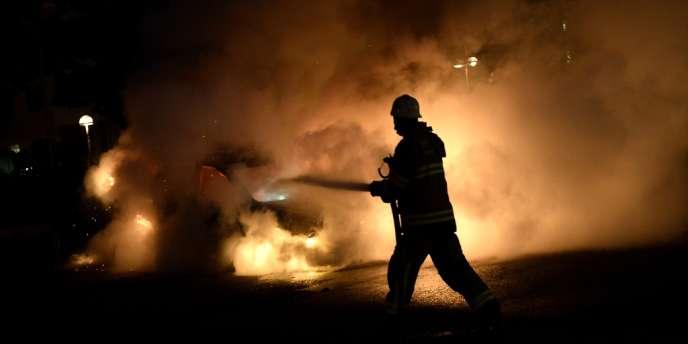 Dans la nuit de mercredi 22 à jeudi 23 mai, une trentaine de voitures ont été incendiées dans différents quartiers.
