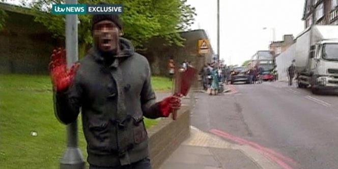 Assassinat à Londres, image extraite de la vidéo amateur enregistrée mardi 22 mai.