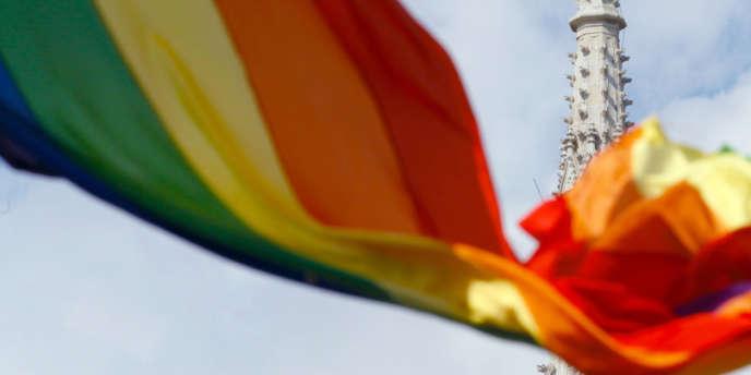Le pays balte est devenu la première des ex-républiques soviétiques à offrir l'union civile aux homosexuels, avec une loi ouvrant aussi la voie à l'adoption d'enfants par ces derniers.