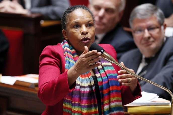 La ministre de la justice Christiane Taubira répond aux questions des députés le 22 mai.