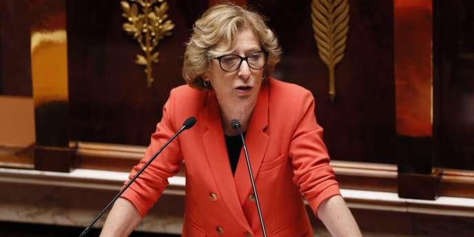 La ministre de l'enseignement supérieur et de la recherche, Geneviève Fioraso, a défendu ce texte devant l'Assemblée, notamment sur l'enseignement en anglais.