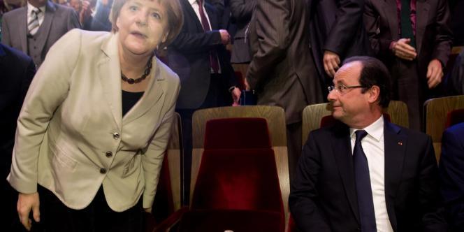 Le président français François Hollande et Angela Merkel étaient réunis jeudi à Leipzig (est) pour célébrer les 150 ans du Parti social-démocrate allemand, principal rival de la chancelière aux prochaines législatives.