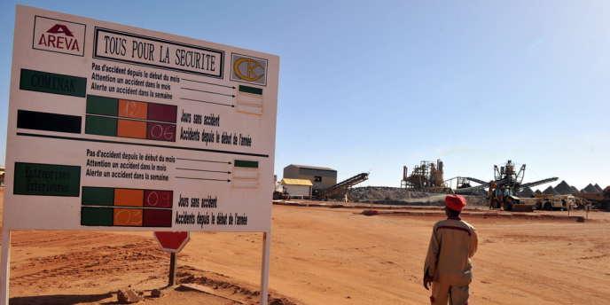 L'entrée du site Areva d'Arlit, dans le nord du Niger, en 2010.