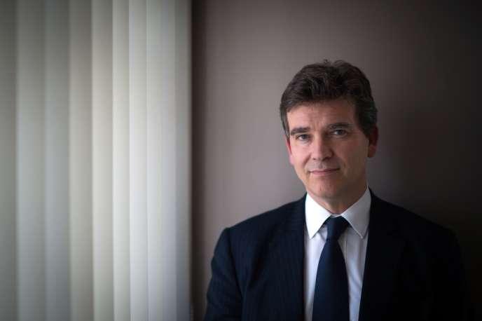 Le ministre du redressement productif Arnaud Montebourg a accusé le président de la Commission européenne d'être