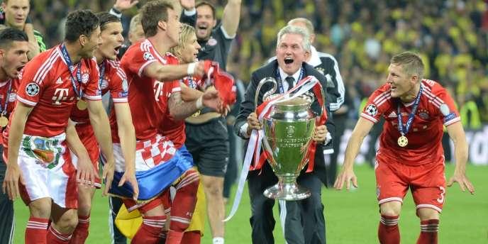 L'austère coach du Bayern Munich, Jupp Heynckles, est entré, samedi, dans le cénacle très fermé des quatre techniciens à avoir remporté la Ligue des champions avec deux formations différentes.