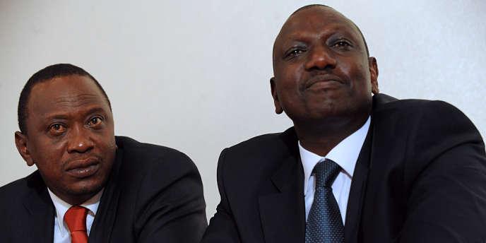 L'Union africaine ne comprend pas les poursuites contre le président kényan Uhuru Kenyatta (à gauche) et son vice-président William Ruto (à droite), inculpés depuis janvier 2012 de crimes contre l'humanité.