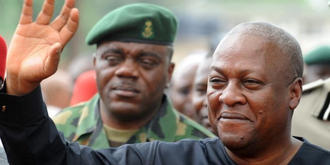 Le président ghanéen, John Mahama, à Ogidi, dans le sud-est du Nigeria, le 23 mai 2013.