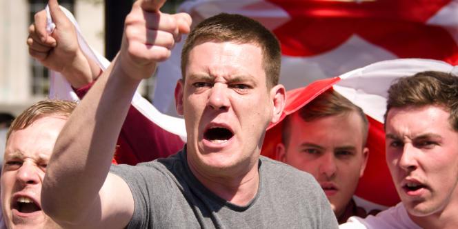 Un millier de partisans de l'extrême droite s'est réuni à Londres le 27 mai.