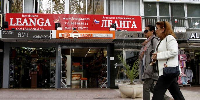 Une agence immobilière russe dans la station balnéaire de Benidorm, dans la province d'Alicante.