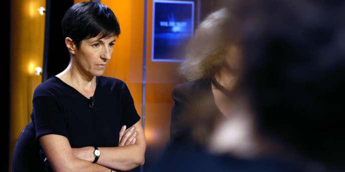 Christine Angot et son éditeur Flammarion ont été condamnés pour atteinte à la vie privée et devront verser solidairement 40 000 euros de dommages et intérêts à Elise Bidoit, dont des éléments de la vie intime sont dévoilés dans le livre