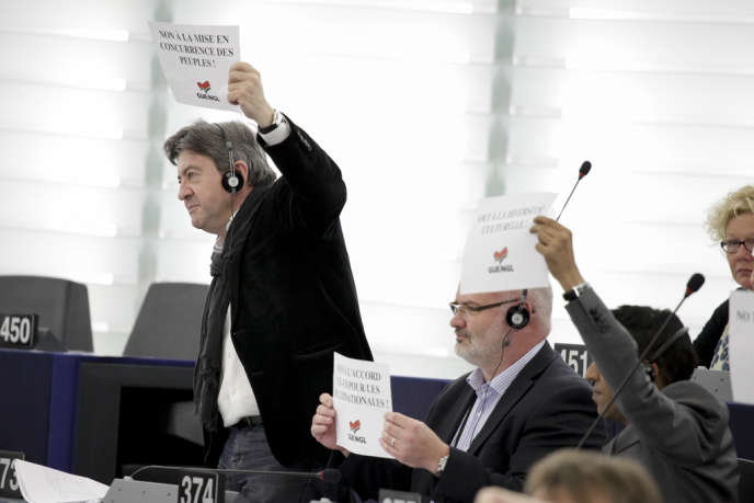 Le leader du Front de gauche, Jean-Luc Mélenchon, au Parlement de Strasbourg, mi-mai. Il y siège depuis 2009.