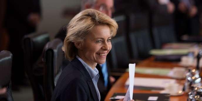 Ursula von der Leyen, ministre du travail allemand, à Paris mardi 28 mai, promet emploi et formation pour les pays les plus touchés par le chômage des jeunes.