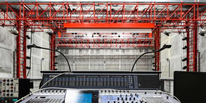Paris, le 22 mai. Salle de concert de l'Ircam.