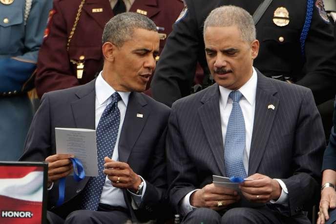 Barack Obama et Eric Holder, le 15 mai, à Washington.