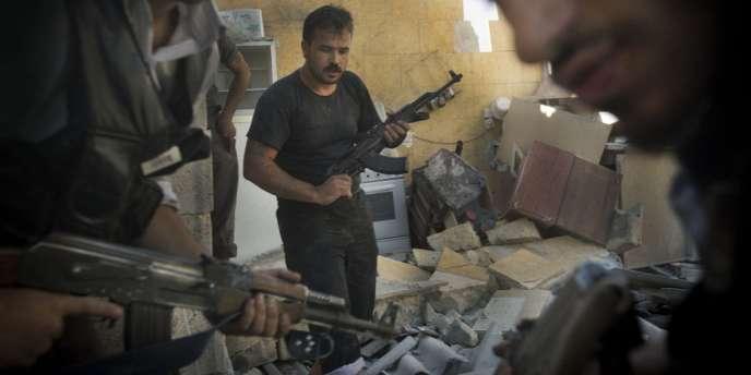 Des rebelles syriens, le 27 mai, à Alep.