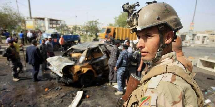 A Abou Ghraib, dans l'ouest de Bagdad, des hommes armés ont abattu un général de brigade alors qu'il se trouvait chez lui. Depuis début mai, plus de 570 personnes ont été tuées dans des attaques.