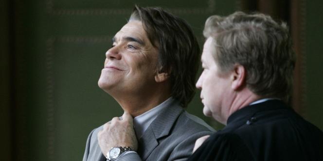 M. Tapie et son avocat Me Lantourne, le 19 octobre 2005.