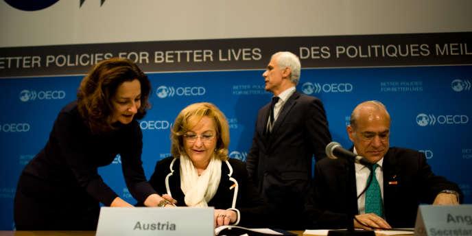 Douze pays, parmi lesquels l'Autriche, le Luxembourg et Singapour vont signer d'importants accords de coopération fiscale avec l'OCDE ce mercredi, un pas vers l'échange automatique de données.