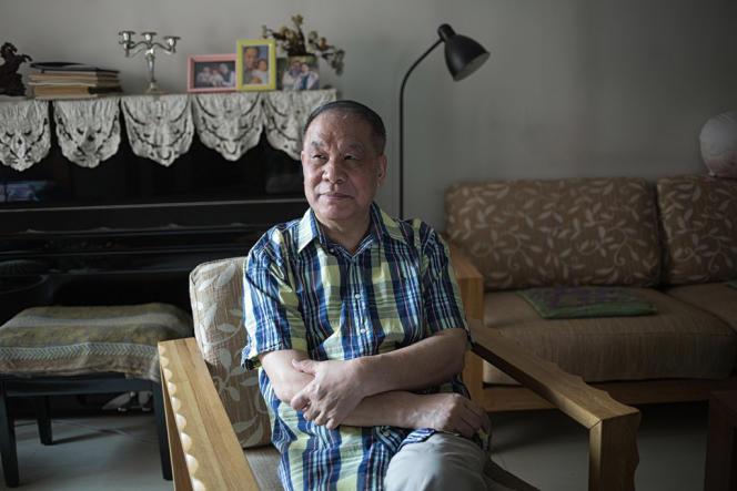 L'écrivain Liu Xinwu dans son domicile pékinois, le 21 mai 2013.