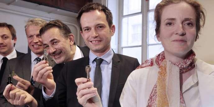 Les électeurs parisiens sont appelés à choisir entre Nathalie Kosciusko-Morizet, Jean-François Legaret, Pierre-Yves Bournazel et le conseiller régional Franck Margain. Les candidats utiliseront leur clé USB pour consulter les résultats.
