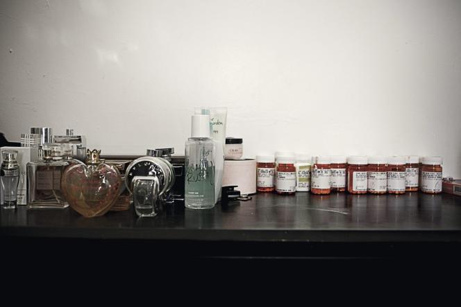 Les seize médicaments de Laura Sellinger, agressée en Corée et victime de stress post-traumatique.